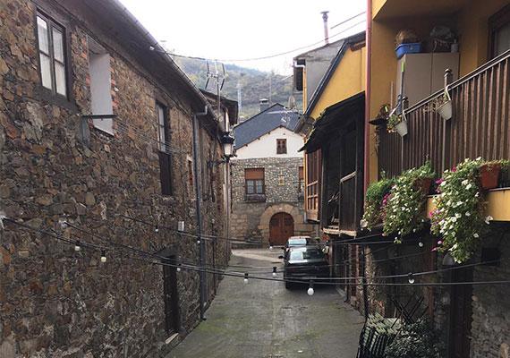 Day 12 : Astorga - Ponferrada (52.6 km)