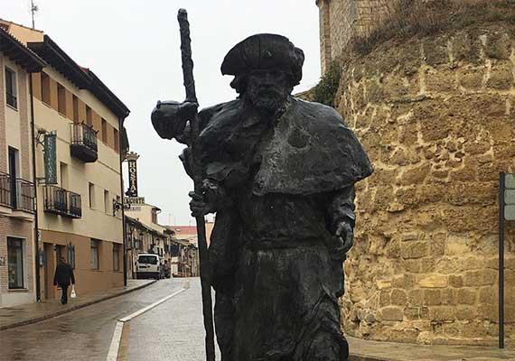 Day 3 : Pamplona - Estella ( 45.5 km)